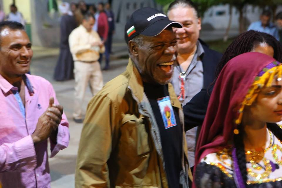 Danny Glover arrives to Luxor